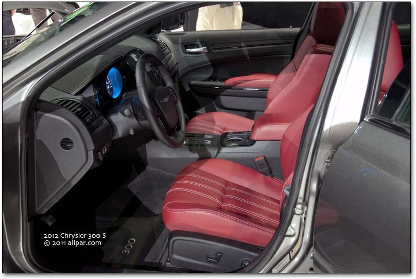 300 S Radar Red interior