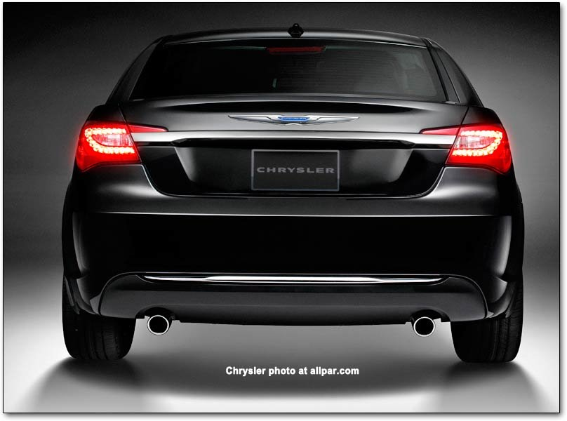 Chrysler 200 Rear >> The 2011 2014 Chrysler 200 Cars Affordable Luxury With 300