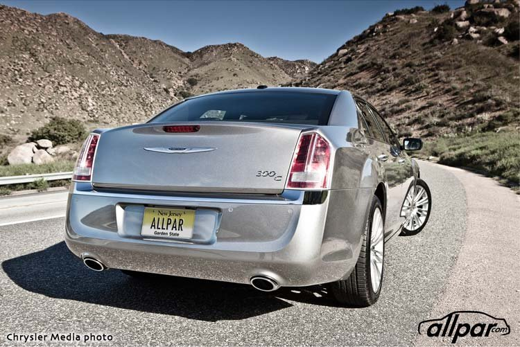 Chrysler-2013-300C-Web