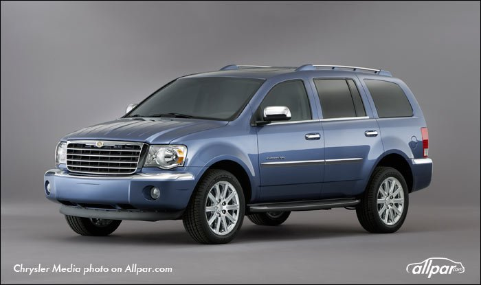 Chrysler-Aspen-2008-Web