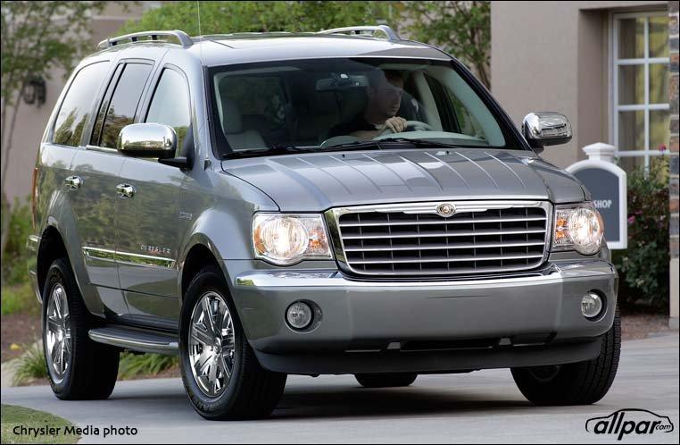 Chrysler-Aspen-2009-Web
