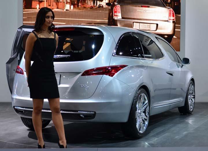 Chrysler 700c Concept Minivan