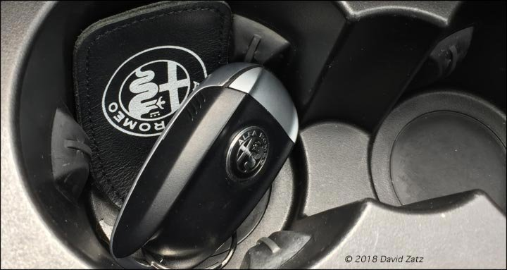 Dodge-Attitude-Mexico-Web