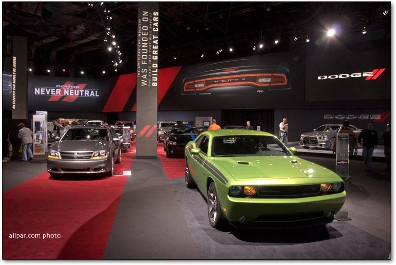 chrysler dodge and jeep at the 2011 new york auto show. Black Bedroom Furniture Sets. Home Design Ideas