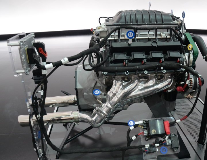 News 426 Hellephant Crate Engine Packs 1 000 Horsepower