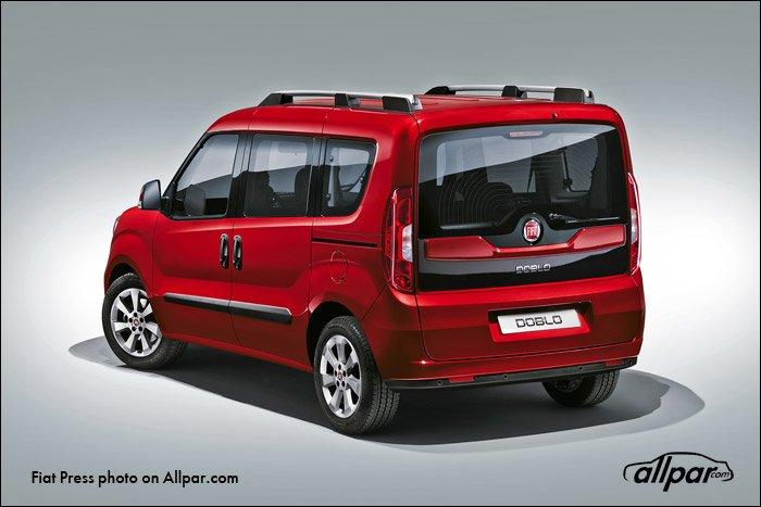Fiat-NewDoblo-Rear34-Web