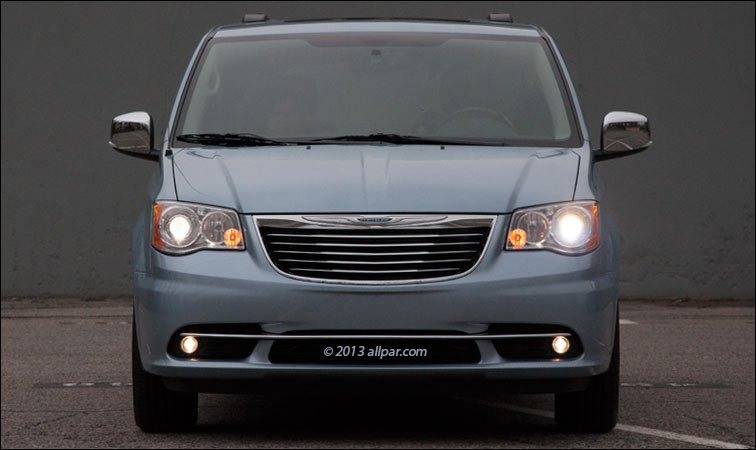 2013 chrysler town country minivan car review