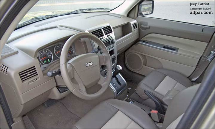 interior - jeep patriot
