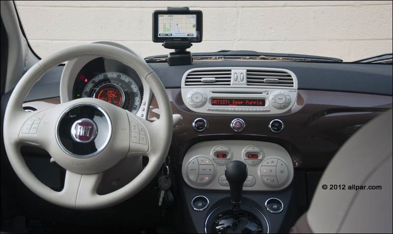 2012 fiat 500 lounge automatic car review. Black Bedroom Furniture Sets. Home Design Ideas