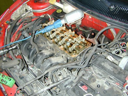 Replacing the head gasket on the Chrysler 2 0 litre engine