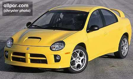 vista frontal del Dodge Neon SRT