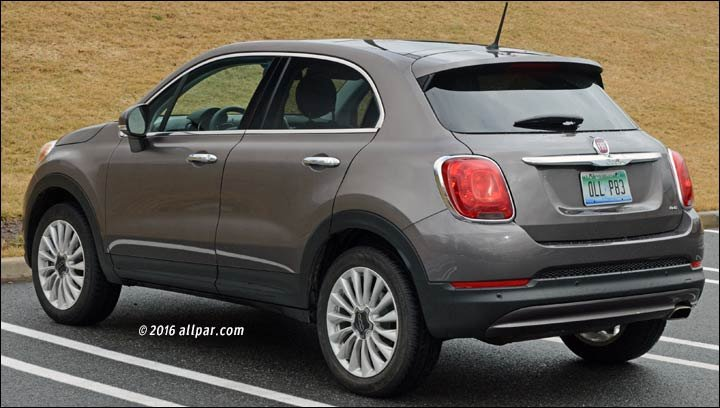 rear view of the 2016 Fiat 500X