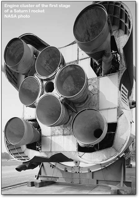 saturn rocket engine cluster