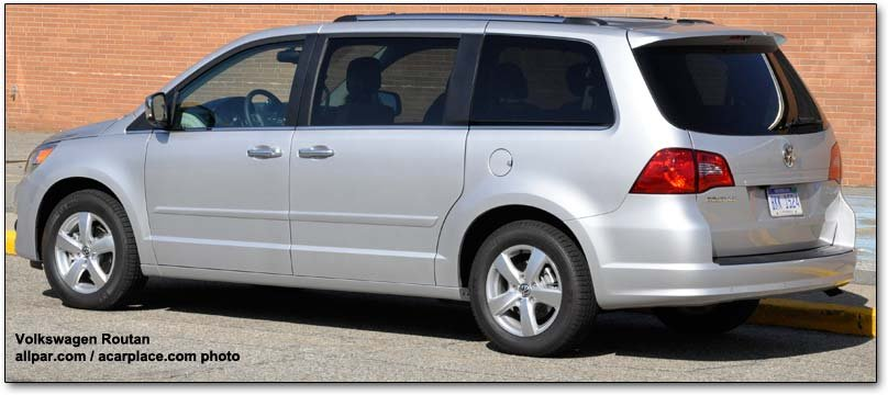 2011 Volkswagen Routan Minivan Car Review