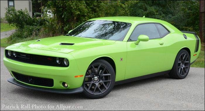 2015 dodge challenger scat pack preview bringing srt. Black Bedroom Furniture Sets. Home Design Ideas