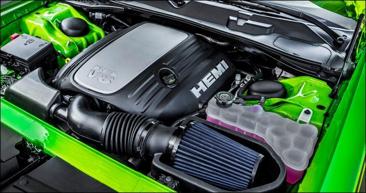 Hemi engine with cold air intake