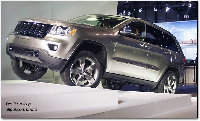 2014 jeep grand cherokee suv standard features. Black Bedroom Furniture Sets. Home Design Ideas