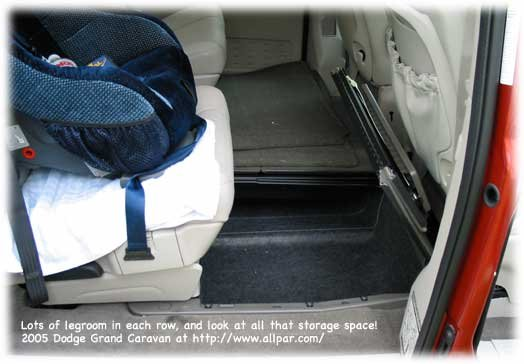 2005 dodge grand caravan minivan car review. Black Bedroom Furniture Sets. Home Design Ideas