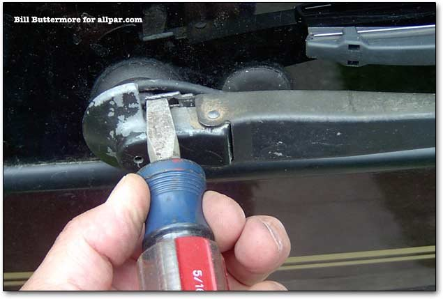 how to close rear windows on chrysler town and country