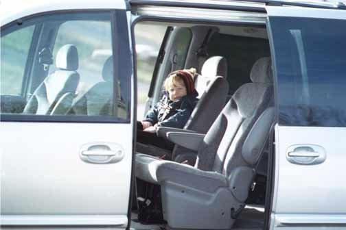 2000 Chrysler Town & Country minivan review