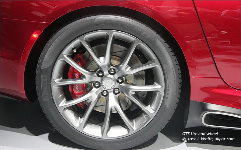 The 2013 17 Srt Viper Suspension Brakes Wheels And
