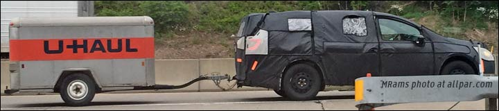 2017 Chrysler Town & Country spy shot