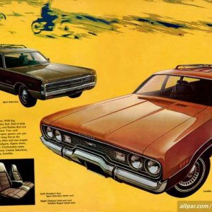 1971-Chrysler-Plymouth-Brochure-16-17.jpg